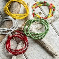 SUMMER! Voilà l'été et l'envie de danser, chanter, rire, et d'accrocher le soleil à nos poignets! 🌞 Les bracelets MYKONOS se portent en bracelet, ou en collier pour donner un coup de peps à vos tenues. 🌈 #colorfull #bijoutransformable #mykonos #lavieencouleurs  #bijoufrancais #ateliermarseillais #jewellovers